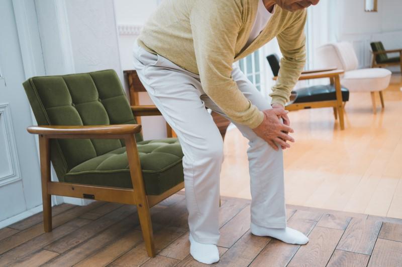 高齢者の加齢に伴う能力低下3つの原因を詳しく解説